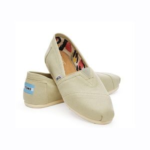 Women's Toms Agate Light Green Classic Canvas 7 US